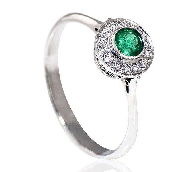 c6140dfe3a573f Delikatny pierścionek zaręczynowy z białego złota z okrągłym szmaragdem ID  378 Kliknij, aby powiększyć