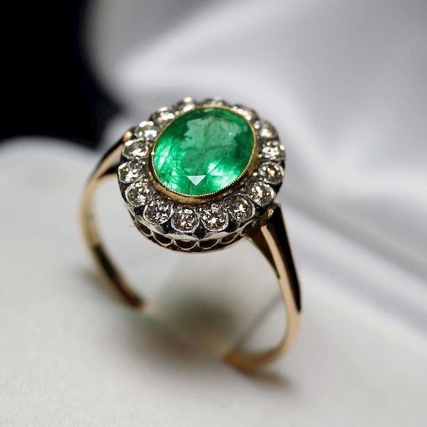 a572dc005d0c79 Unikatowy pierścionek zaręczynowy ze szmaragdem 1.8 ct i brylantami ...